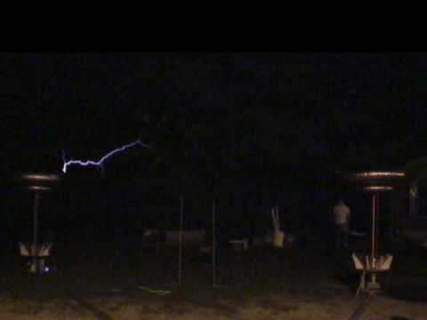 Twin Musical Tesla Coils Playing Mario Bros