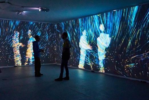 kuflex_interactive_room_openframeworks_interactive_projection