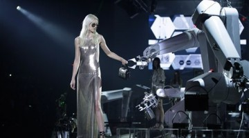 philipp_plein_milan_fashion_week_robot