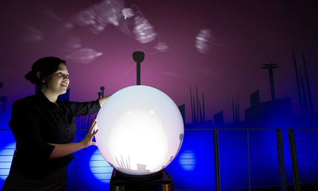 interactive_sphere_installation